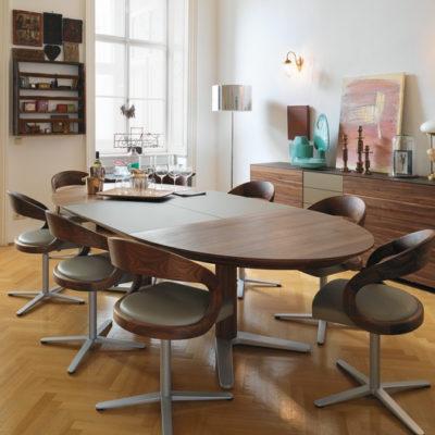 Girado Tisch ausgezogen