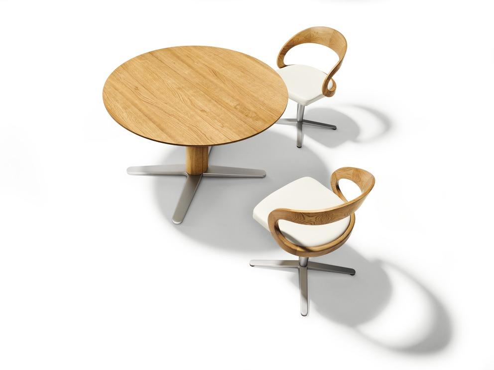 Girado Tisch mit Stühlen