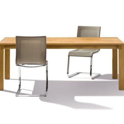 Tisch Magnum