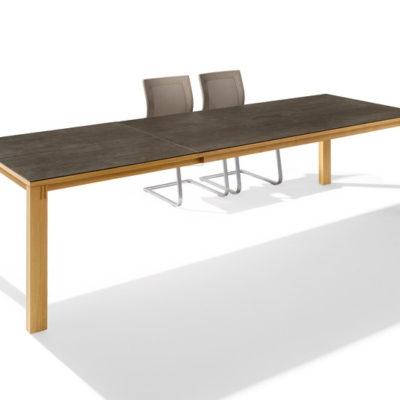 Magnum Tisch ausgezogen